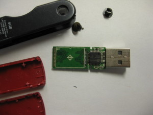 Lexar USBメモリーの分解